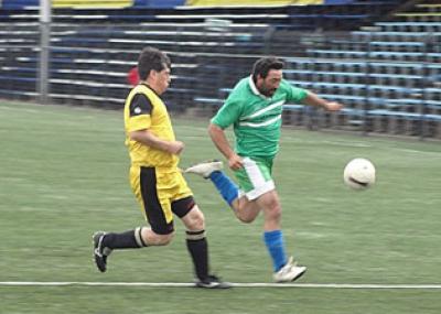 fútbol de la AFO en serie Senior y la preparación de la Selección