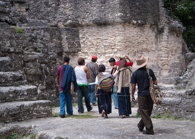 Claudia de guatemala abre su panocha dice hola - 3 part 5